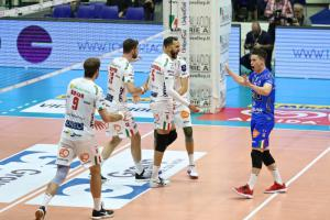 (Miniature) Europe : Toniutti et Grebennikov visent le Final Four